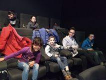 Onze school en Stad Sint-Niklaas trakteerden ons op de Sinterklaasfilm in Siniscoop